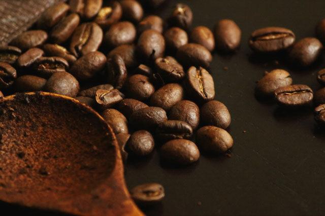 豆から挽くと珈琲の香りを高くする